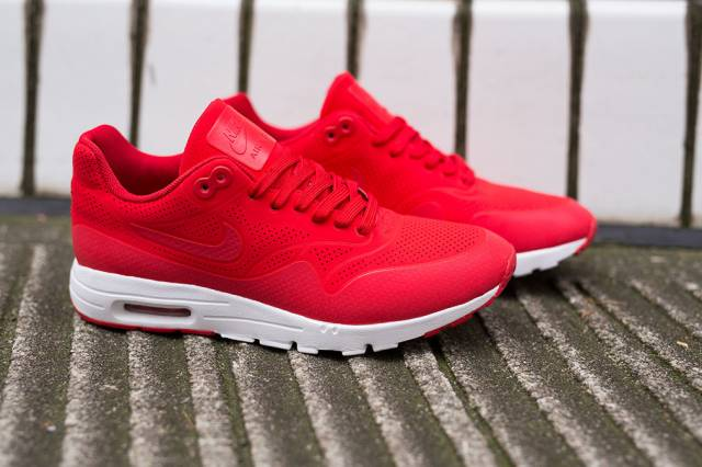 womens nike air max ultra moire 1 uni red white fire. Black Bedroom Furniture Sets. Home Design Ideas