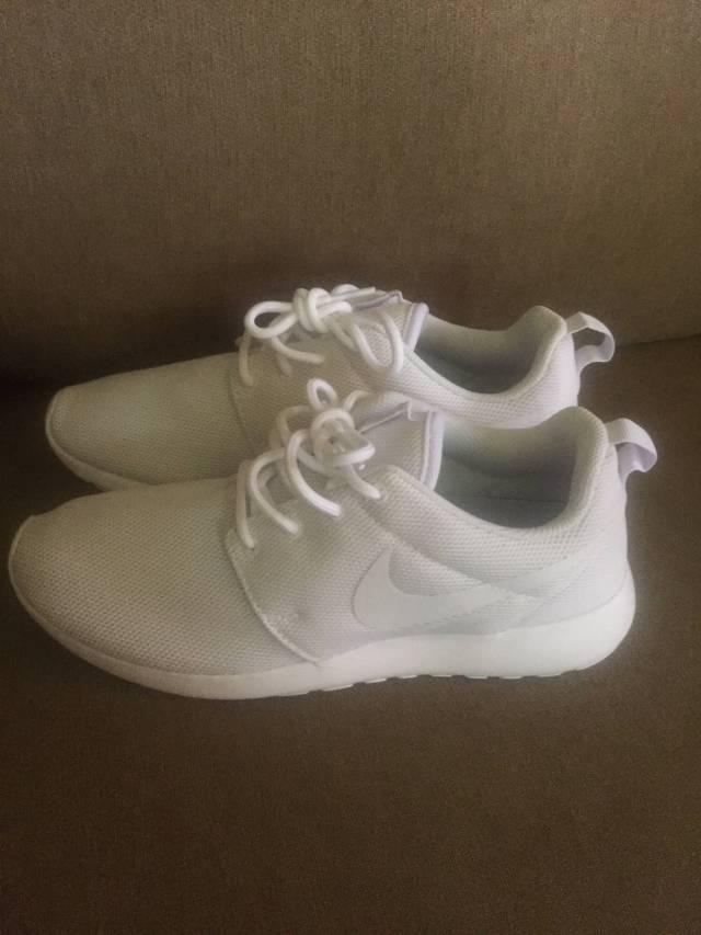 best cheap d6ee4 e01c2 Nike Roshe One Triple White