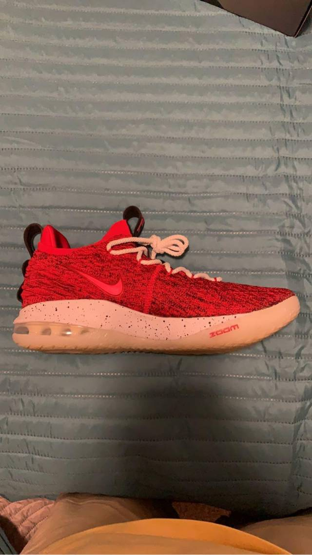Nike LeBron 15 Low University Red