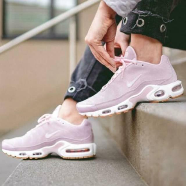 Nike Air Max Plus Premium Pink Size 6 7