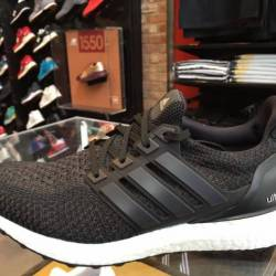 Adidas ultra boost triple blac...