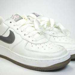 Nike air force one low valenti...