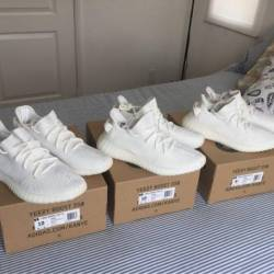Yeezy 350 v2 - triple white cr...