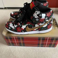 Ugly sweater dunk